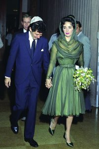 Elizabeth Taylor e seu vestido de noiva do civil