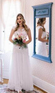 Niina Secrets e seu vestido do casamento civil