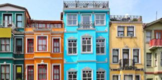 As cores encantadoras dos bairros antigos