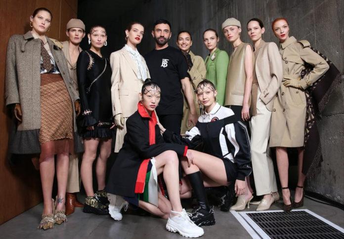 Desfile da Burberry na London Fashion Week