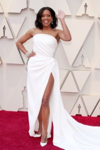 Regina King veste Oscar de La Renta