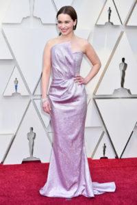 Emilia Clarke veste Balmain