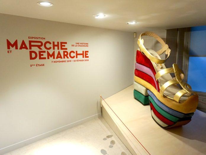 Exposição em Paris retrata história dos calçados