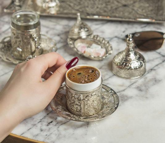 Conheça a história do café turco