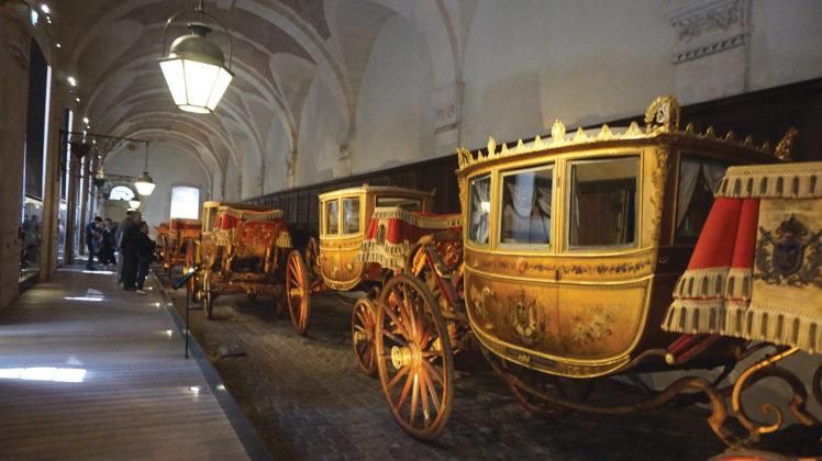 Visita à galeria das Carruagens de Versalhes