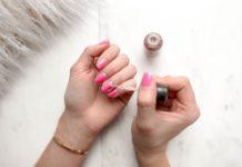 como cuidar das unhas em casa