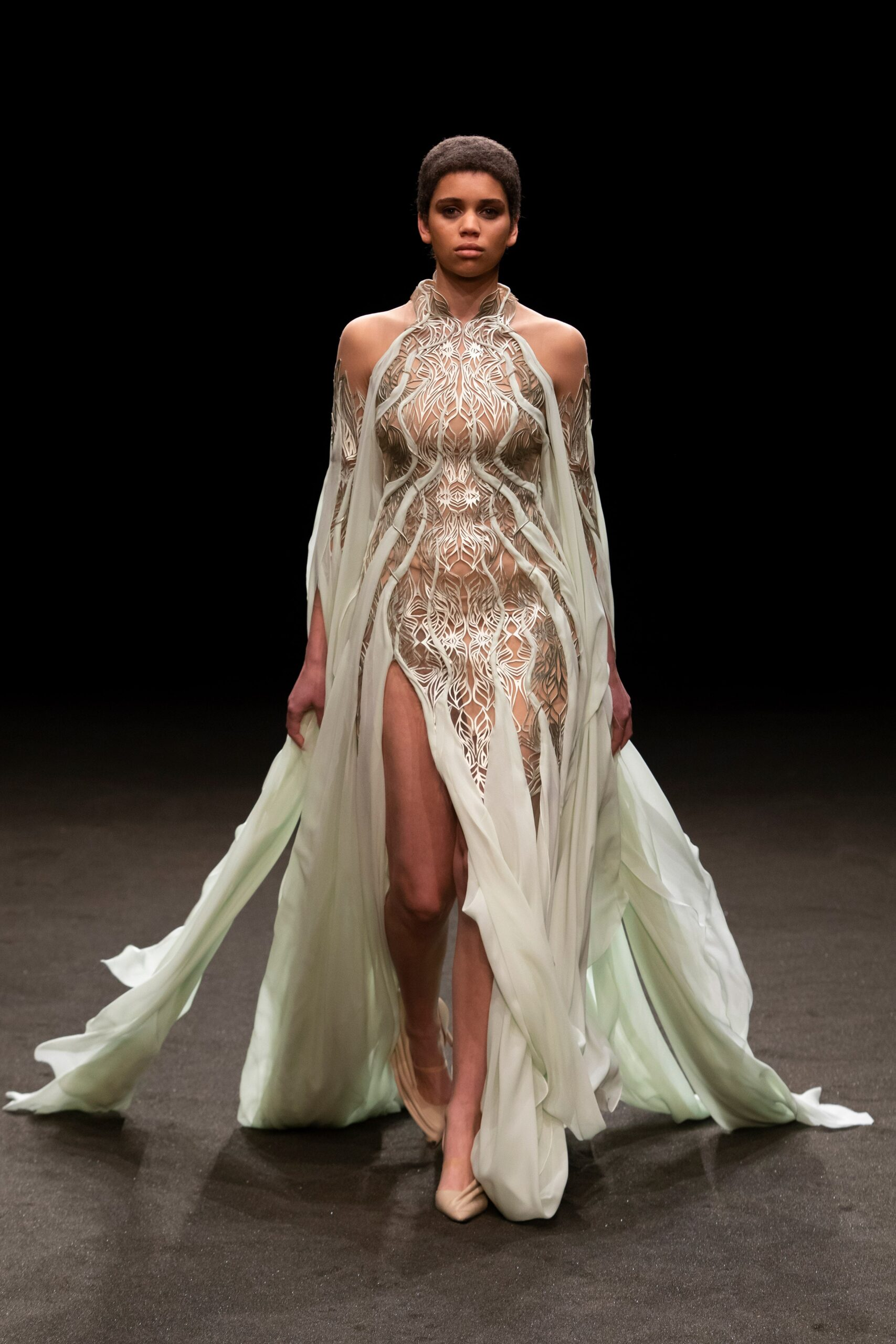 00004 Iris van Herpen Couture Spring 21 credit Gio Staiano