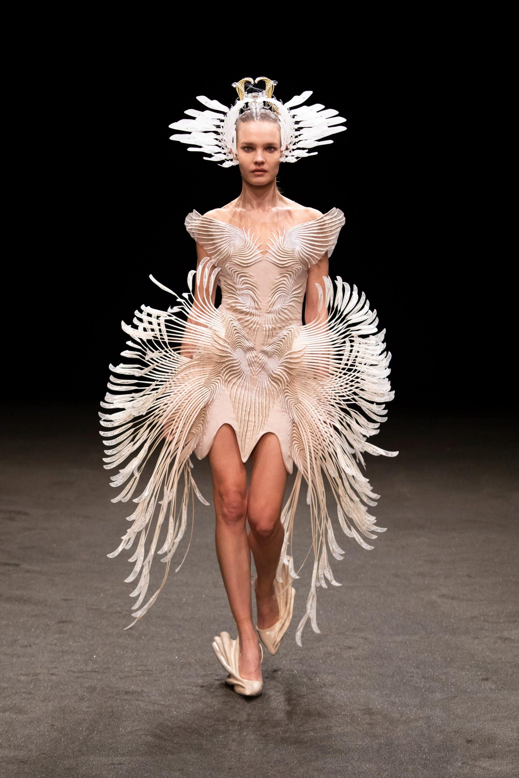 00021 Iris van Herpen Couture Spring 21 credit Gio Staiano