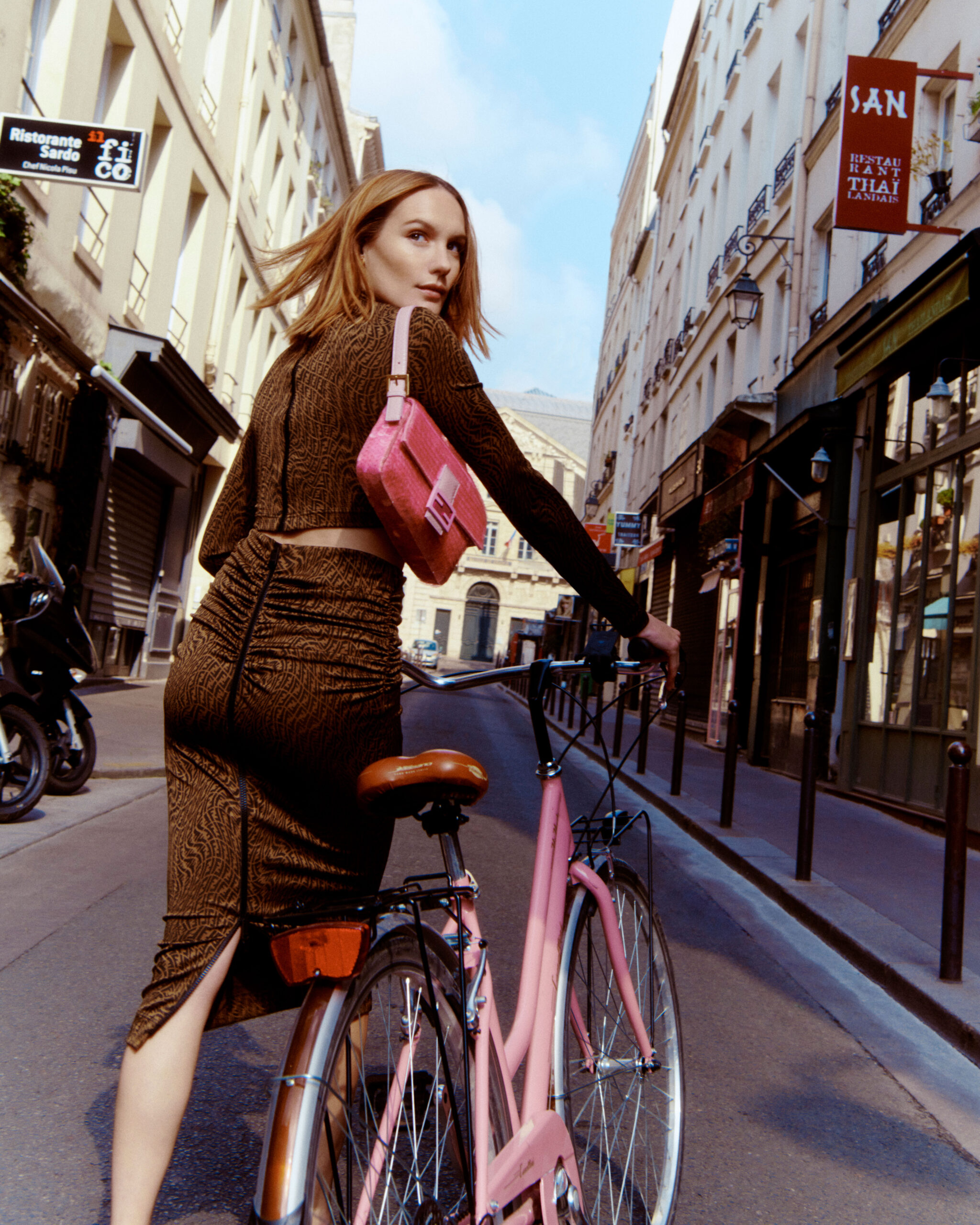 03 FENDI Baguette 1997 The Baguette Walk