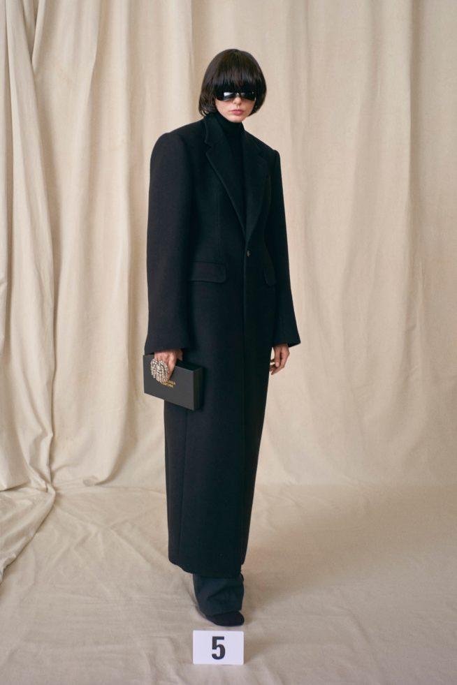 00005 balenciaga couture fall 21 credit brand 654x981 1