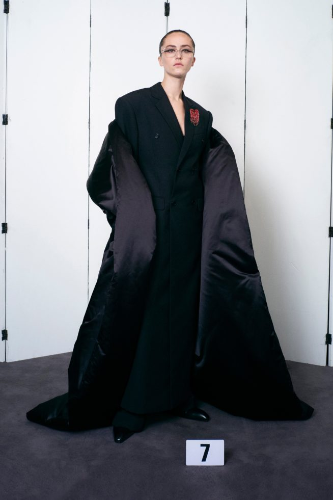 00007 balenciaga couture fall 21 credit brand 654x981 1