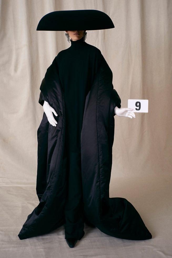 00009 balenciaga couture fall 21 credit brand 654x981 1
