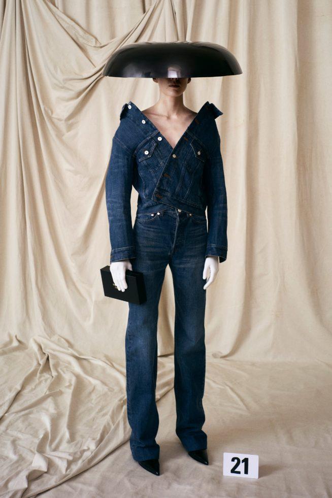 00021 balenciaga couture fall 21 credit brand 654x981 1