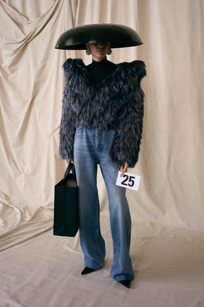 00025 balenciaga couture fall 21 credit brand 654x981 1